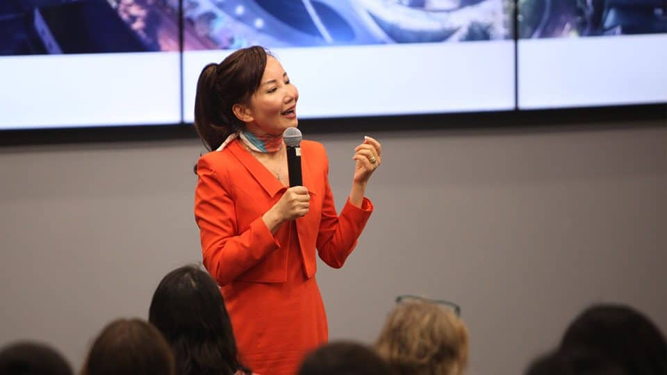 Alumni Get Involved Jane Sun Ctrip CEO