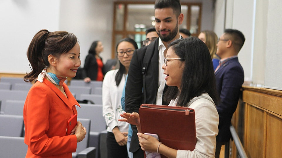Jane Sun speaks with Fisher students