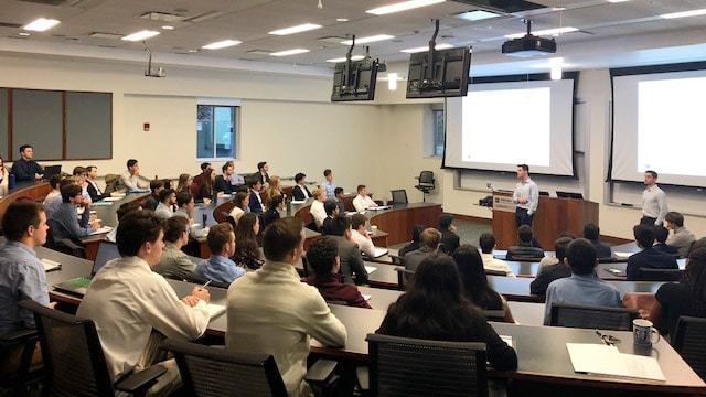 Exploring Financial Economics students heard from Heather Barone (BA '05), Global Markets Electronic Trading at Bloomberg LP in October