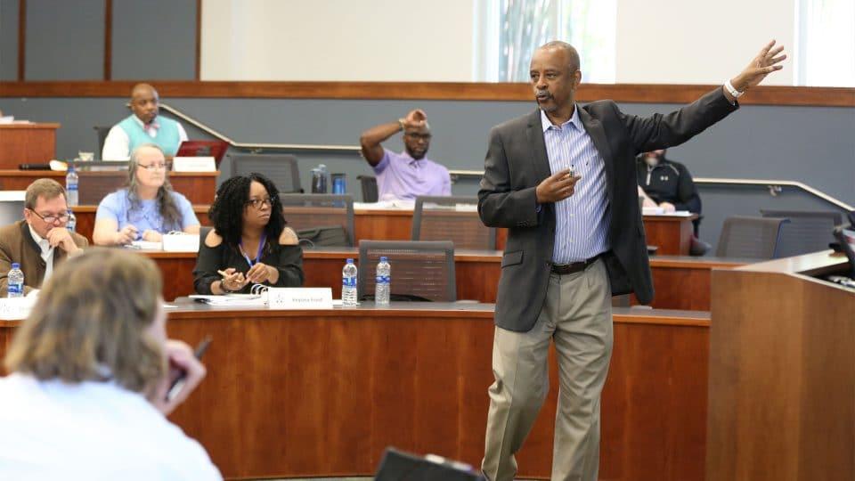 Dr. Robert Thomas teaches a class in Hough Hall