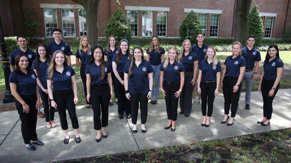 Undergraduate CAP Mentor outdoor group photo