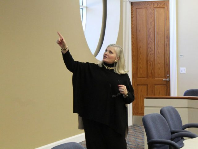 Cindy Grosso presents to FLA students