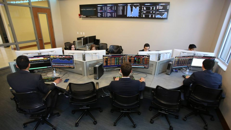 GSIF students working in the Capital Markets Lab